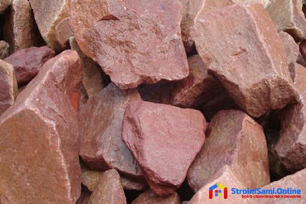 Для чего нужна облицовка цоколя дома камнем