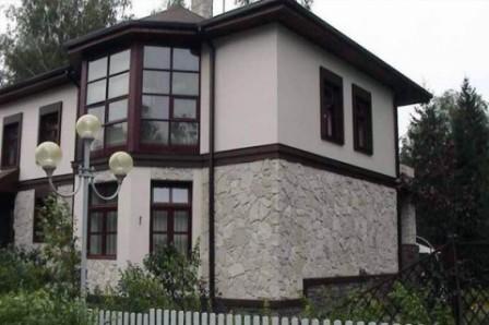 fasadnye-shtukaturki-kak-ukrashenie-fasada-doma-7