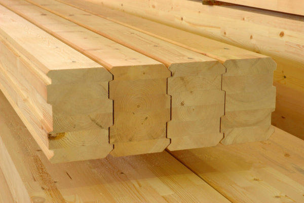 Преимущество клееного бруса при строительстве дома